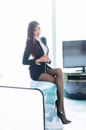 丝袜女神杨晨晨Sugar职场秘书冠绝黑丝美腿写真照
