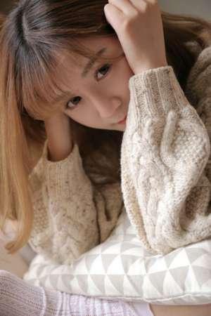 娇小萝莉下体清凉内衣私房白丝美腿粉鲍写真图片