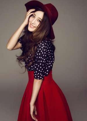 红裙美女甘婷婷甜美可人写真