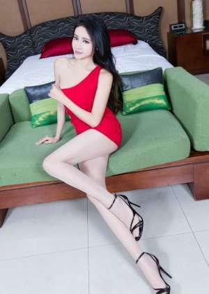 高挑美女Avril红色连衣裙丝袜美腿玉足性感图片