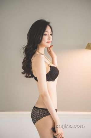 韩国美女模特Jung Yoon性感内衣摄影图片