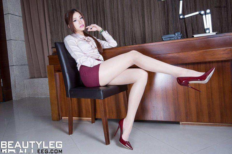 制服美女私房秀长腿高清写真