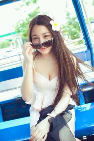 靓丽小清新美女刘奕宁户外高清写真