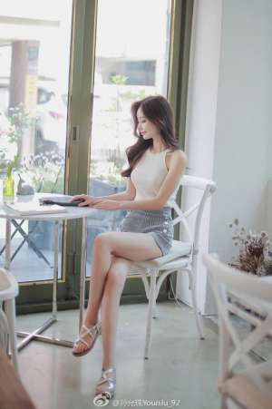 韩国气质美女孙允珠摄影写真图片