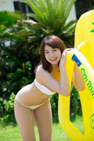 日本美女中村静香性感内衣秀