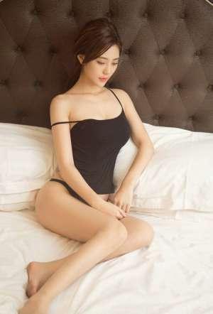 美腿美女丰乳美臀床上情浴火辣娇躯人体艺术写真