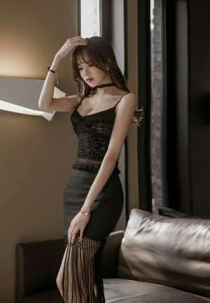 蕾丝低胸装韩国美女模特高挑激情美女性感图片