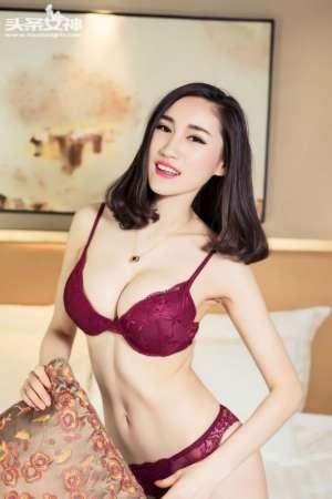 女内衣模特完颜芝芝酥胸性感迷人图片