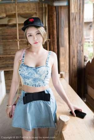 性感女神凯竹BuiBui吊带裙迷人魅力写真