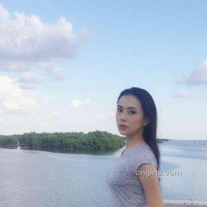 泰国美女Luna Ploy性感比基尼写真
