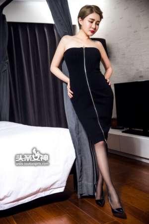 短发美女凯竹Vision短裙写真黑丝诱人
