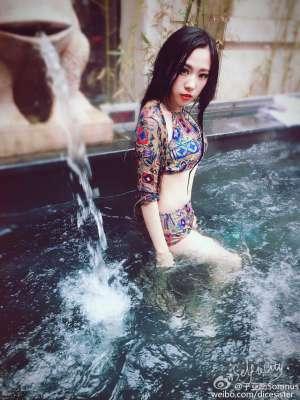 中国内地模特于亚南微博私拍写真