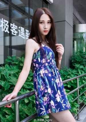 长发气质美女汤丽娜Sunny私拍美图集锦