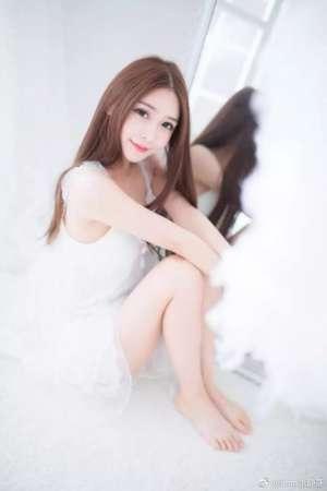 甜美女孩张静燕微博私房写真清纯动人