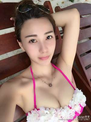 中国内地模特vivian芊芊微博私拍写真