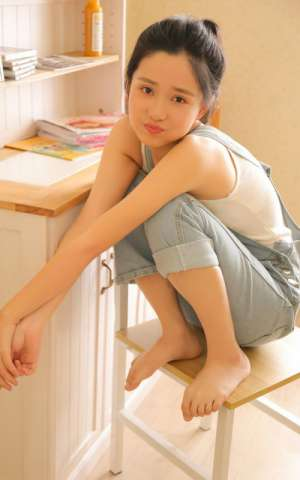 美腿少女背带裤夏日靓丽甜美大胆撩人写真