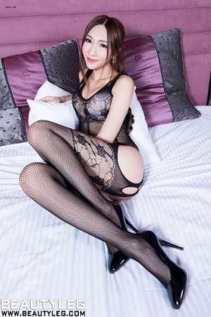 长腿性感嫩模Miki床上尽显窈窕身材