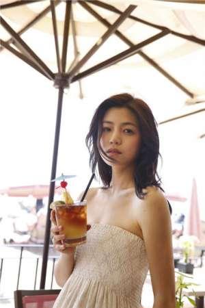 长裙美女陈妍希清新迷人外拍