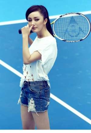 杨幂化身网球女郎拍摄青春活力写真