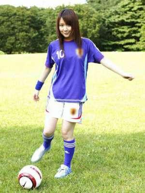日本足球宝贝微微一笑很倾城