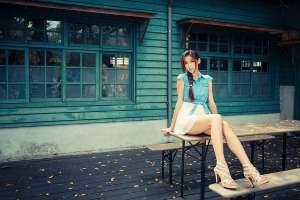 90后清纯美女高清室外写真合集
