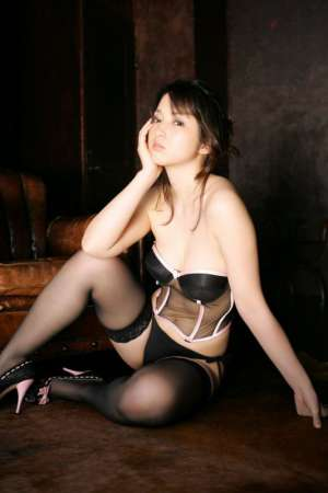 丰满少妇高清丝袜诱惑写真