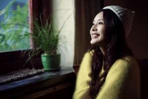李沁冬日甜美迷人写真照