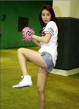 粉嫩邻家女孩刘仁娜高清迷人写真