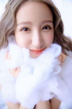天使的闺房梦幻甜美酥胸美乳写真
