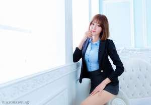 办公短发美女秘书长腿高跟性感包臀写真