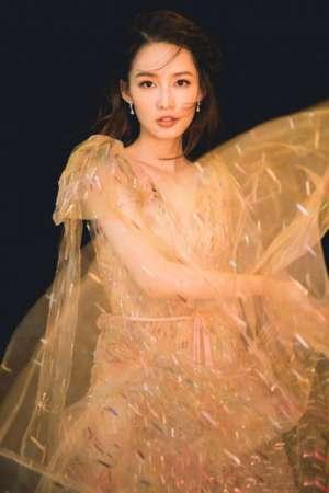 李沁梦幻半透长裙唯美靓丽气质出众写真图片