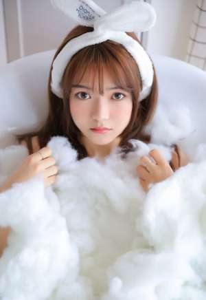 洗澡女孩清纯风骚性感粉嫩美女写真