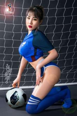 足球宝贝爆乳翘臀美腿裸体艺术性感图片