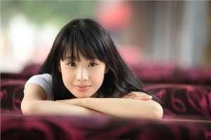 90后女演员李梦素颜迷人写真照