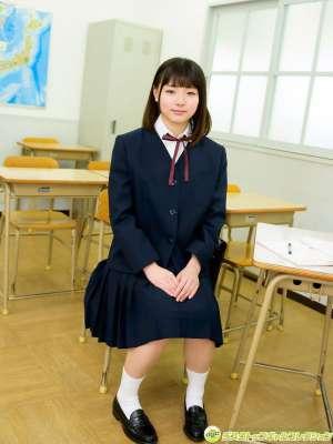 日本校园美女av女优性生活姿势露内内衣写真图片