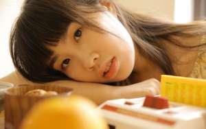 日本素人美女床上娇羞玉足美腿人体大胆诱惑写真