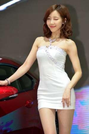 韩国靓丽车模金雅然车展高清图片