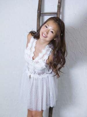 日本女优佐山彩香丰满写真照