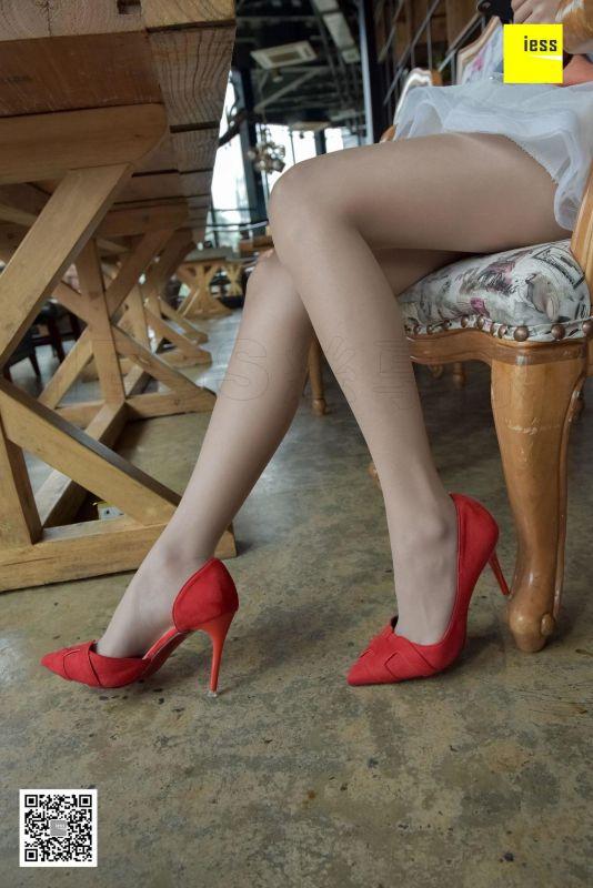 婉萍 《蕾丝裙肉丝红鞋》 丝足写真