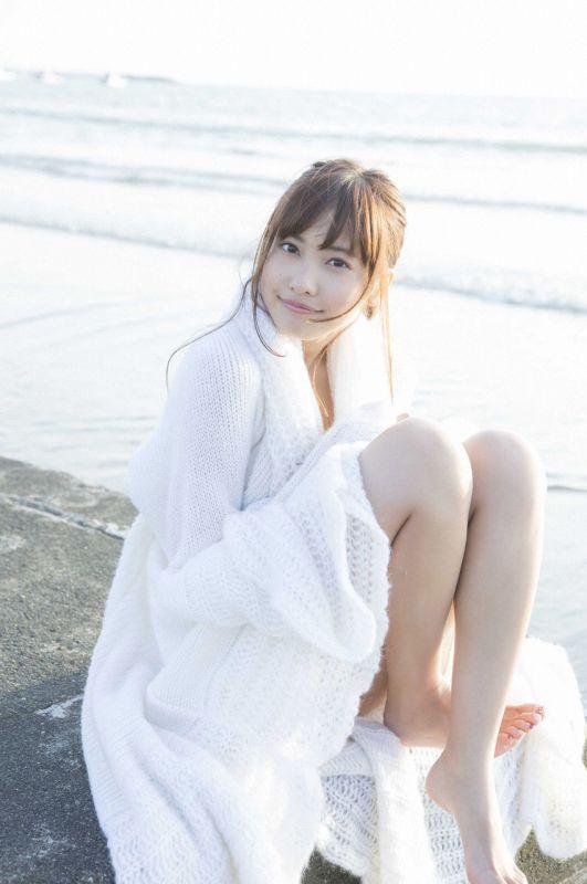 Hinako Sano 佐野ひなこ「冬のぬくもり」
