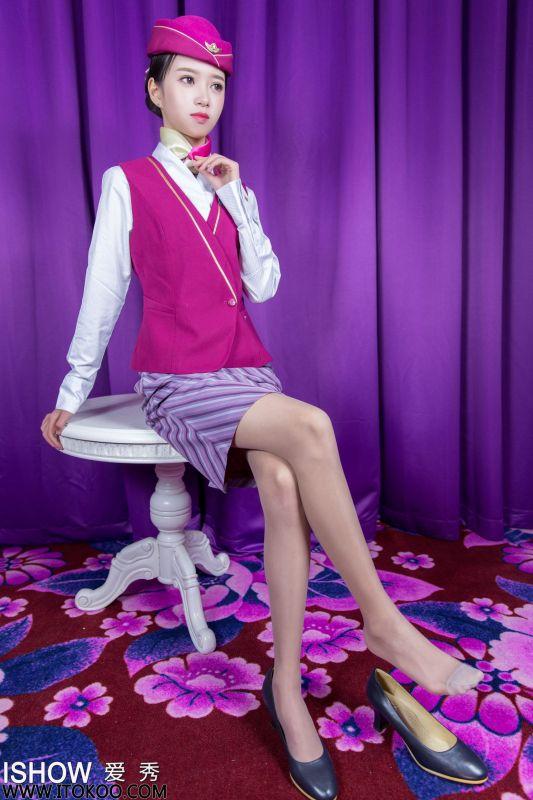 馨雅Adela - 空姐制服丝袜美腿