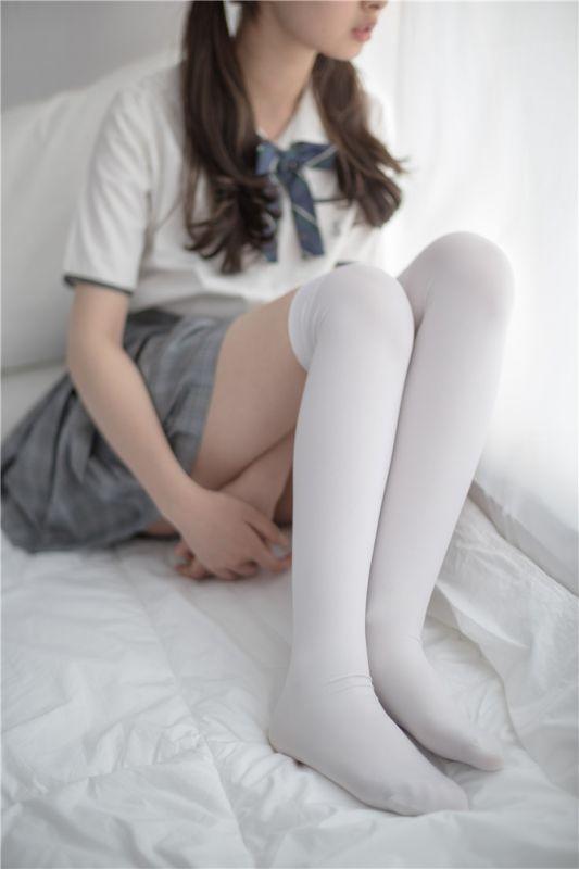[萝莉控]穿白丝的双马尾并没有诱惑你[84P]