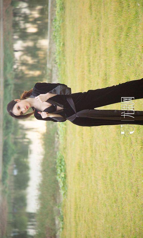 阿依努尔瓦娅 - 优雅冷美人