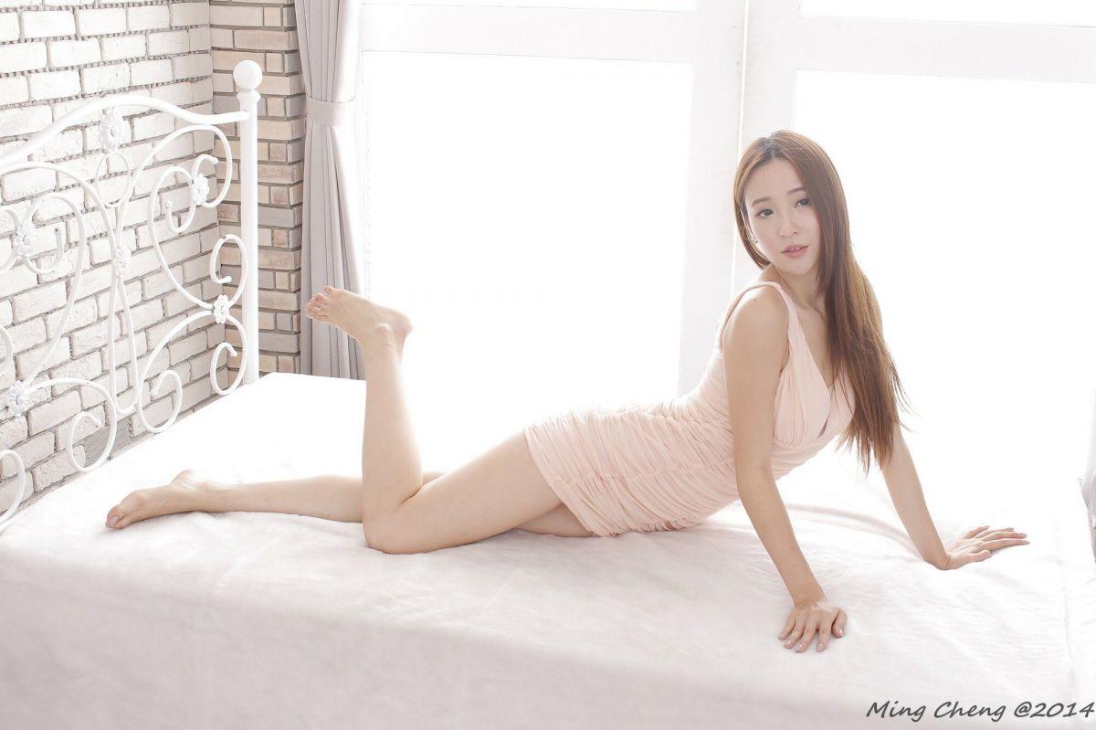 Anber小安柏 - 性感美腿時裝棚拍 (三套服装) 写真图片