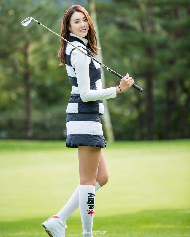 高尔夫氧气美女,笑颜长腿身材一级棒〔26P〕