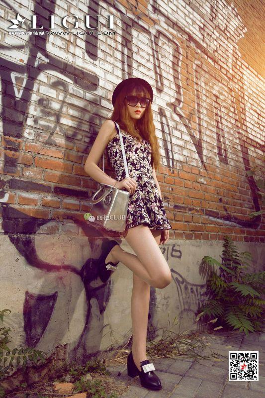 Model 允儿 - 美腿丝足写真
