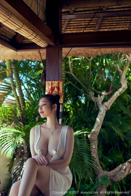 爆乳小柳岩@妲己_Toxic巴厘岛旅拍第一套写真