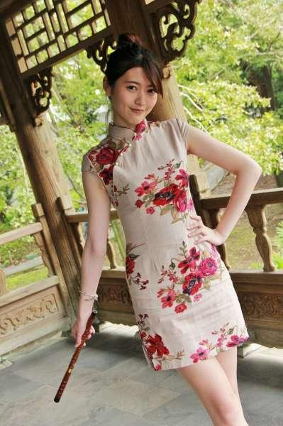 [台湾美女] Brindy薛薛 - 至善園旗袍外拍