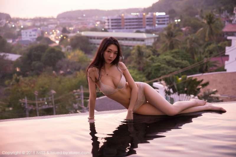 模特@小热巴吉普岛旅拍2