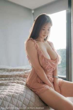 巨乳女神@易阳Silvia性感写真~